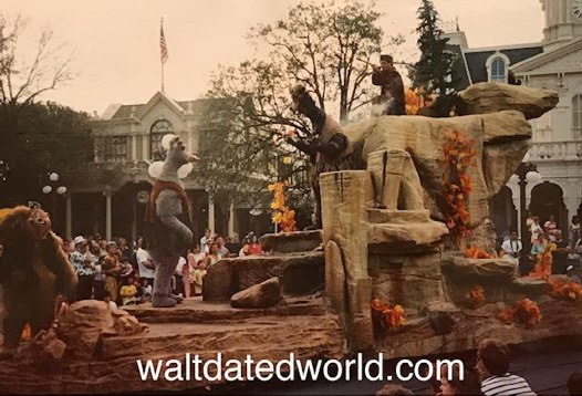 Country Bear Float Disney Character Hit Parade 1991.