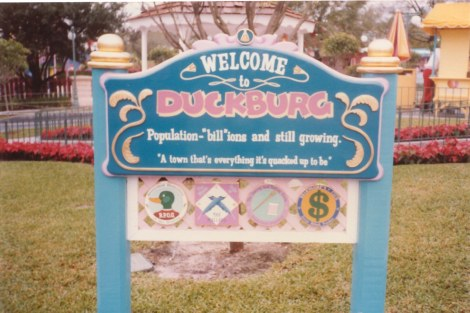 Mickey's Birthdayland Duckburg sign
