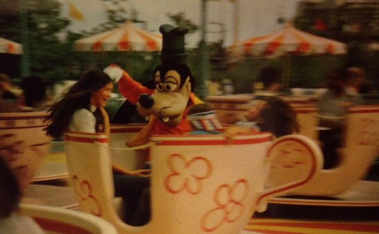 Goofy and kids on Mad Tea Party